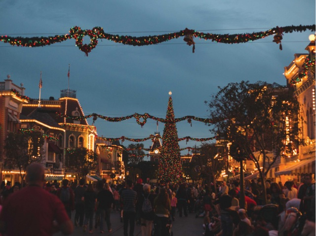 Disneyland_Christmas_blog13
